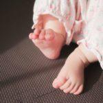 赤ちゃんのレッグウォーマーいつから着用させる?代用できるものはある?夏・冬用おすすめコーデは?